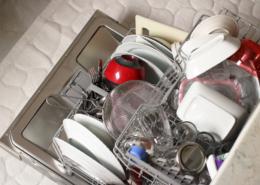overloaded-dishwasher